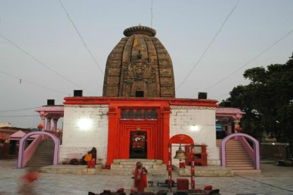 Chhath Puja: एक रात में बदल गई सूर्य मंदिर की दिशा