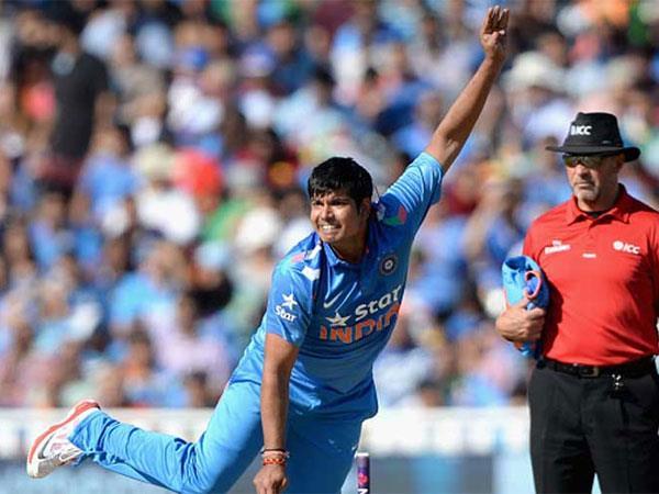 टीम इंडिया के खिलाड़ी कर्ण शर्मा के घर तोड़-फोड़ और फायरिंग