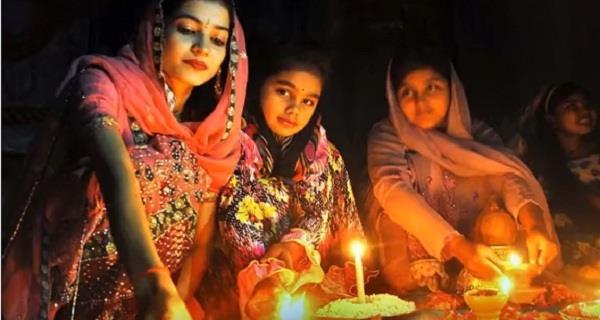 ऐसे मनाते हैं पाकिस्तान में दिवाली, देखें कुछ दिलकश नजारे