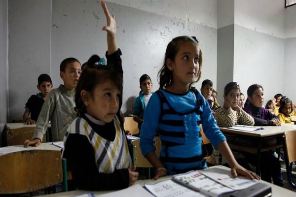 शिक्षा मंत्री के आदेश पर अमल: बच्चों ने स्कूलों में 'यस सर' नहीं, बोला 'जय हिंद'