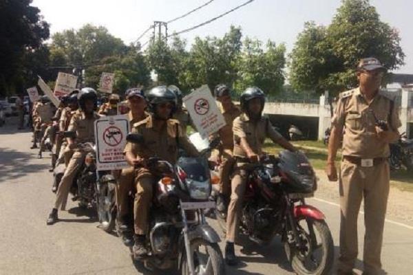 सैकड़ों पुलिसकर्मियों ने नशे के खिलाफ निकाली बाईक रैली
