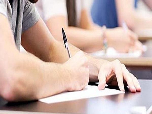 केंद्रीय शिक्षा बोर्ड का नया फैसला,अब स्कूल अपने विद्यार्थियों के नहीं ले सकेंगे पेपर