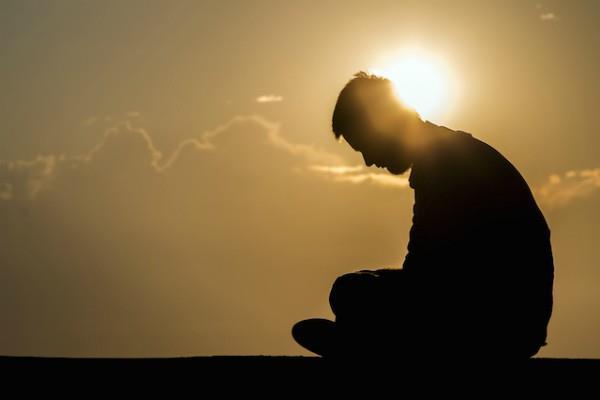 नौकरी, निर्धनता या फिर शारीरिक कष्ट से हैं परेशान, जानें वक्त बदलने के उपाय
