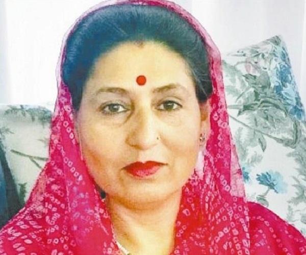 कांग्रेस को झटका, CM के परिवार से ज्योति सेन ने थामा BJP का दामन