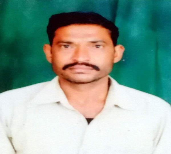 प्रवासी व्यक्ति ने फंदा लगाकर की आत्महत्या