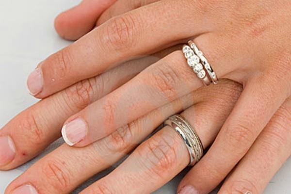Wedding Ring की चाह रखने वाले पहने ये अंगूठी, होगी चट मंगनी पट शादी