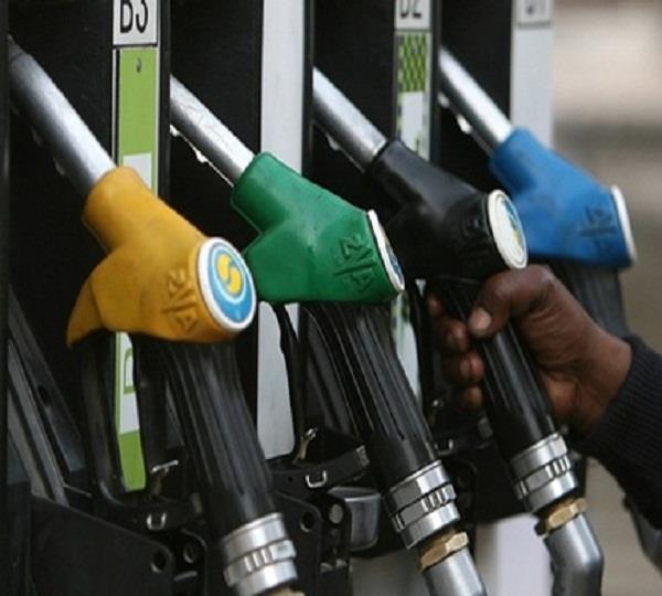 पंजाब के मुकाबले अब चंडीगढ़ में हुआ पैट्रोल सस्ता
