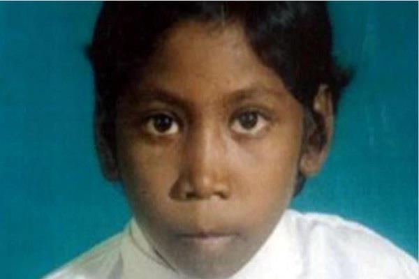 भूख से तड़प कर बच्ची की मौत, राशन देने के लिए अधिकारी मांगते रहे आधार कार्ड