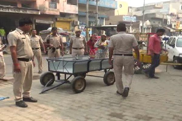 त्यौहारी सीजन पर पुलिस प्रशासन अलर्ट, शहर में बढ़ाई गश्त