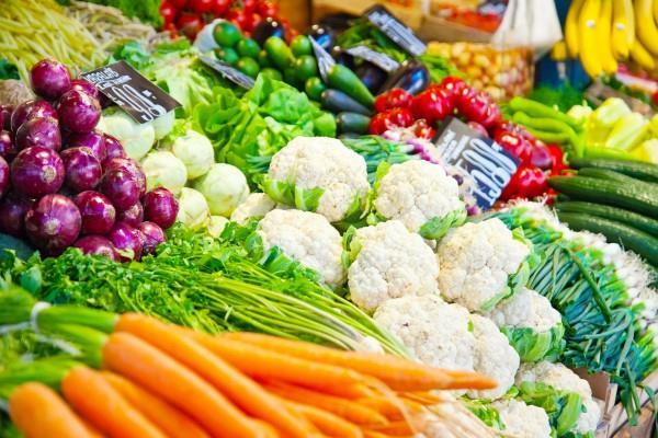 त्यौहारी मौसम में लखनऊ में सबसे ज्यादा चढ़े सब्जियों के दाम