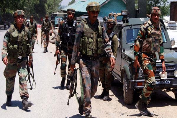 पुलवामा में आतंकियों ने ब्यूटी पार्लर पर फैंका ग्रेनेड, युवती घायल
