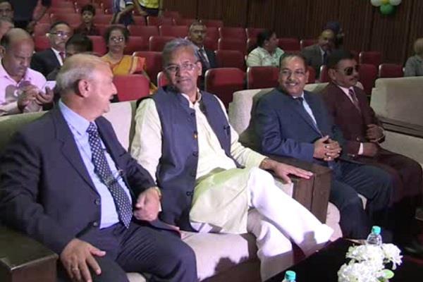दिव्यांगोत्सव में शामिल हुए CM, बच्चों का बढ़ाया हौंसला
