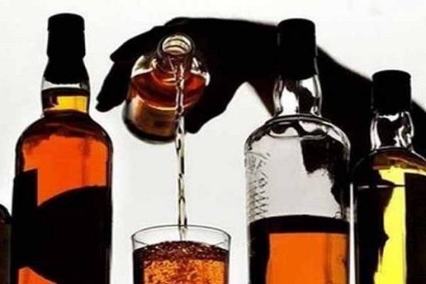 दिवाली के कुछ घंटे पहले चोरों ने गोदाम में की सेंधमारी, उड़ाई महंगी शराब