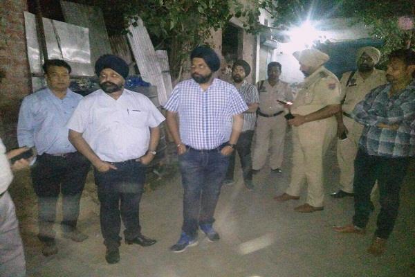 लुधियानाः मिनरल वाटर फैक्ट्री से जहरीली गैस का रिसाव होने से मचा हडकंप, कई लोग बेहोश