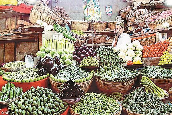 सर्दियों में भी सब्जियां महंगी क्यों