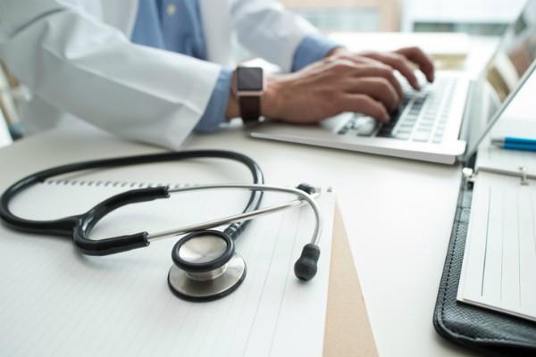 गलत ऑप्रेशन से किडनी हुई बेकार, नर्सिंग होम देगा जुर्माना