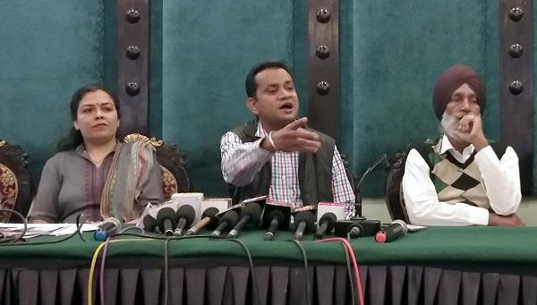 वसीका नवीस ने प्राणनाथ पर लगाया किडनैपिंग का आरोप