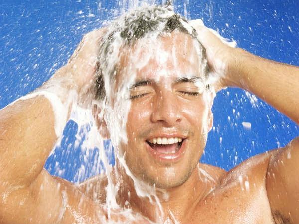 स्नान करते समय बोला गया ये मंत्र, देता है तीर्थ स्नान के बराबर फल