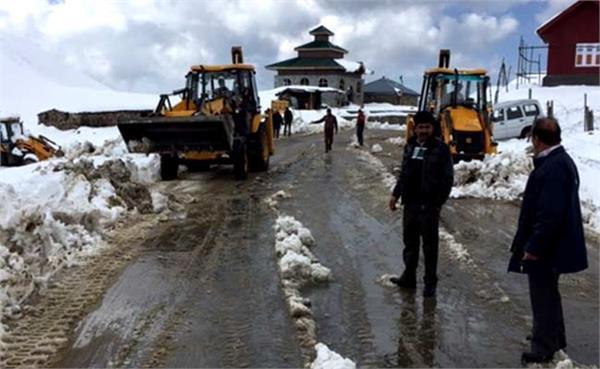 लद्दाख-कश्मीर राष्ट्रीय राजमार्ग बंद, श्रीनगर-जम्मू रोड खुला