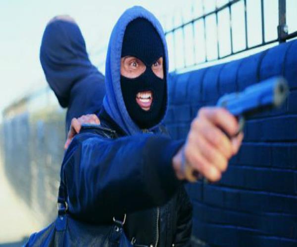बेखौफ बदमाशों ने व्यापारी को मारी गोली, वारदात CCTV में कैद