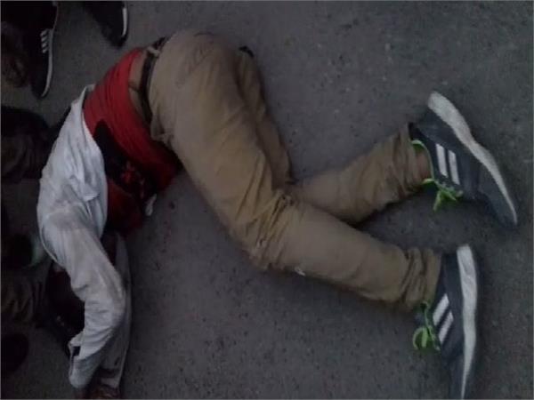 पहले ग्राहक बन आए बदमाशों ने ज्वैलर को मारी गोली, फिर पुलिस से हुई मुठभेड़