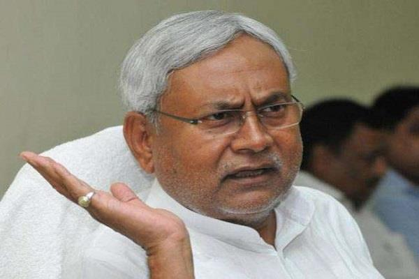 तेजस्वी पर CM का वार, बेतुके बयानों का जवाब देना जरूरी नहीं