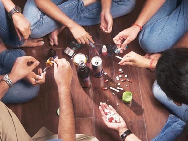 यहां नशे की गिरफ्त में कराह रहा बचपन, खतरे में देश का भविष्य