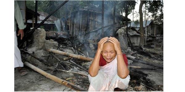 बांगलादेशः हिंदुओं के घऱ जलाने के मामले में 53 गिरफ्तार