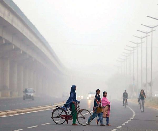 दिल्ली को पीछे छोड़ लखनऊ की हवा हुई सबसे जहरीली