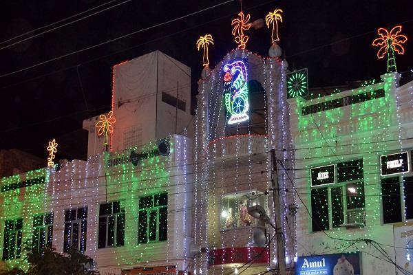 श्री सनातन धर्म मंदिर का विवाद फिर से गर्माया,दोनों पक्षों ने लगाए गंभीर आरोप