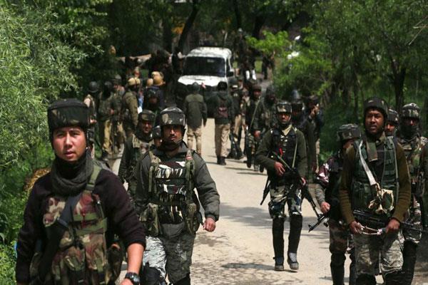 बांडीपोरा के हाजीन में सेना ने चलाया व्यापक तलाशी अभियान