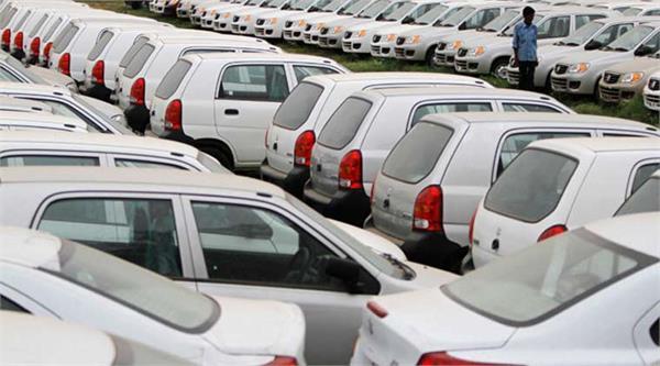 भारत में बनी कारों का निर्यात घटा, तिपहिया का बढ़ा