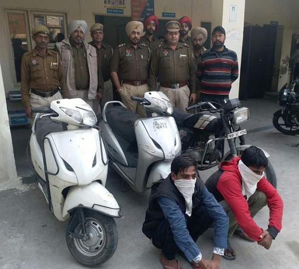 चोरी के वाहनों सहित दोनों आरोपी गिरफ्तार