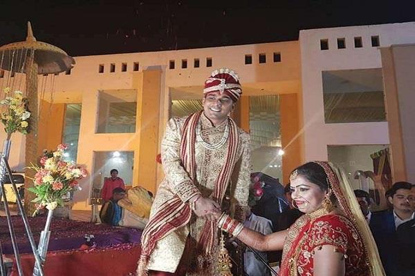 शादी के बंधन में बंधी टीम इंडिया की हॉकी प्लेयर, जानिए किसके संग लिए सात फेरे
