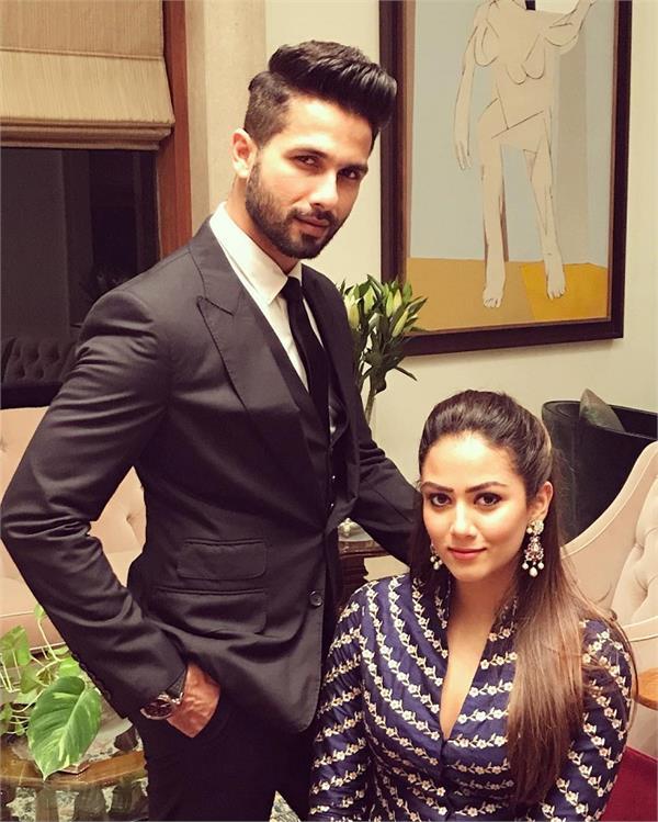 फ्रैंड की वेडिंग में पत्नी मीरा के साथ दिखें शाहिद, Stunning Look में आए नजर