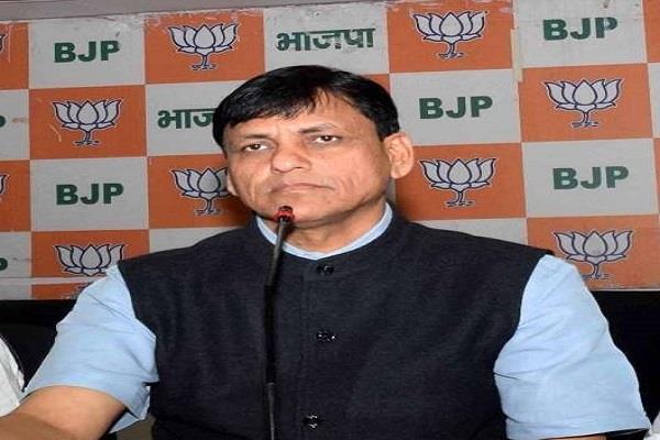 भाजपा नेता बोले- परिवारवाद को बढ़ावा दे रहें लालू