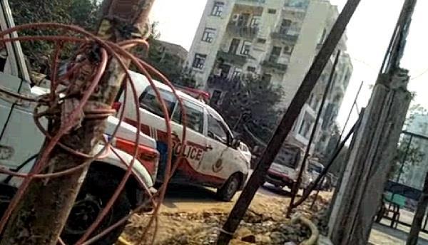 दिन-दिहाड़े दिल्ली में पंजाब पुलिस से भिड़े बदमाश,ताबड़तोड़ की फायरिंग