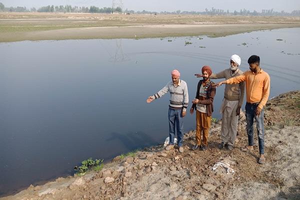 दूषित पानी के कारण दरिया क्षेत्र के लोग बीमारियों से ग्रस्त