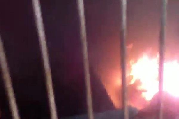 TMC  नेता का शव मिलने का बाद गुस्साए लोगों ने होटल किया आग के हवाले
