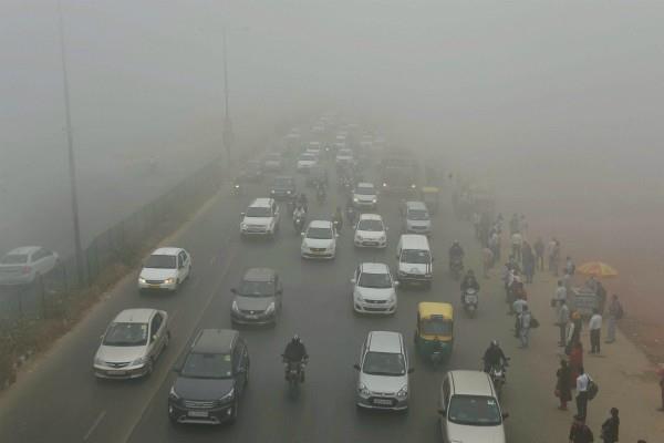 प्रदूषण रोकने के लिए सरकार का बड़ा फैसला, दिल्ली में 2018 से लागू होगा BS-VI नियम