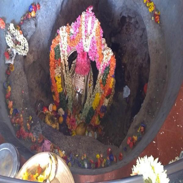 इस मंदिर में लगातार बढ़ रहा श्री गणेश की प्रतिमा का आकार