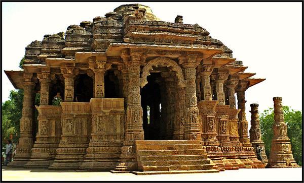 जानिए क्यों, तीन हिस्सों नें बटा है सूर्यदेव का ये मंदिर