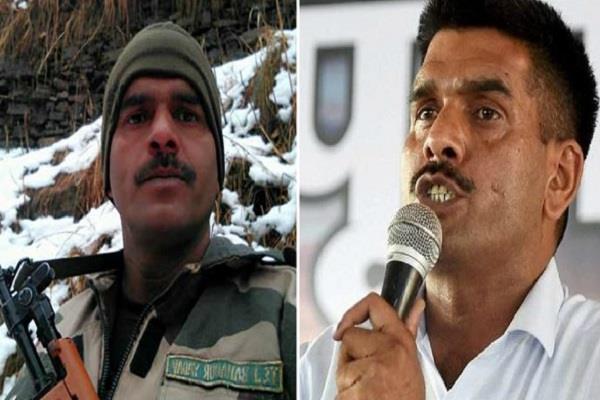 जानिए इन दिनाें क्या कर रहा है BSF से बर्खास्त हुआ जवान तेज बहादुर