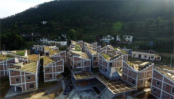 बड़ा ही जुगाडू है चीन, घर की छतों पर ही बना डाले खेत