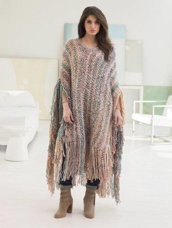 Poncho के साथ विंटर फैशन को बनाए Stylish