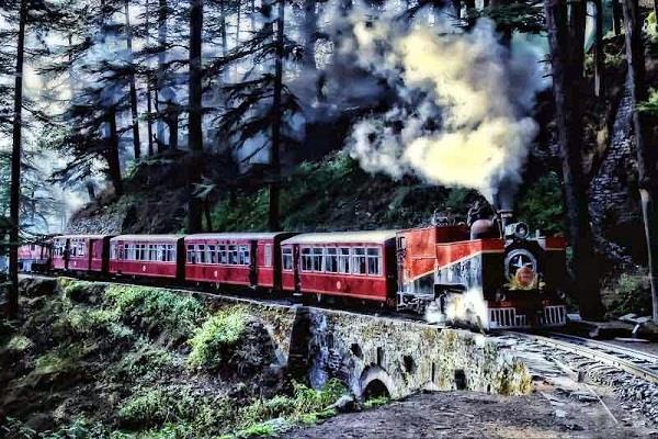 114 साल का हुआ खूबसूरत कालका-शिमला रेलवे ट्रैक, जानिए कुछ रोचक बातें