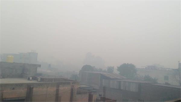 पंजाब के कुछ हिस्सों में बारिश के बाद जालंधर-लुधियाना में छाया धुंअा