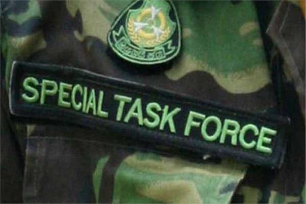 STF को मिली सफलता, 25 हजार का इनामी बदमाश साथियों सहित गिरफ्तार