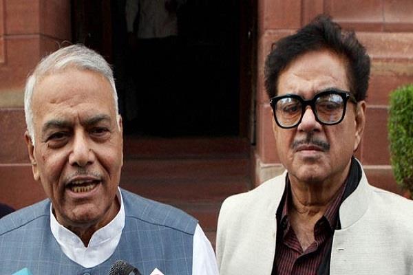भाजपा नेता ने कहा- यशवंत सिन्हा और शत्रुघ्न सिन्हा दें पार्टी से इस्तीफा