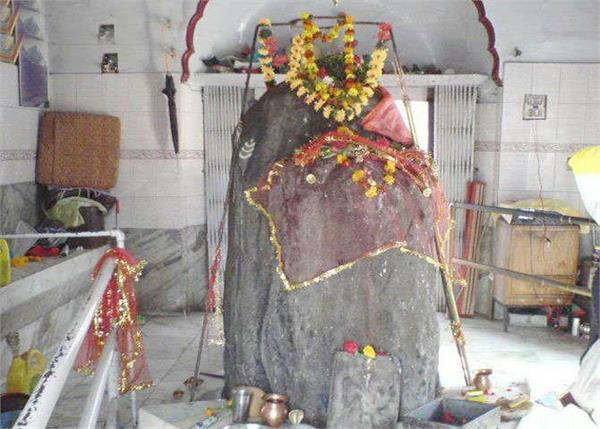 काठगढ़ महादेव मंदिर में है अर्धनारीश्वर शिवलिंग